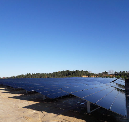 EDF Store & Forecast : what if a solar farm alone provided ancillary services?